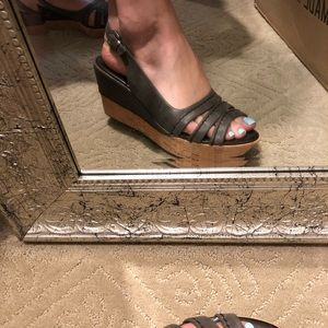 Size 10 never work grey wedge